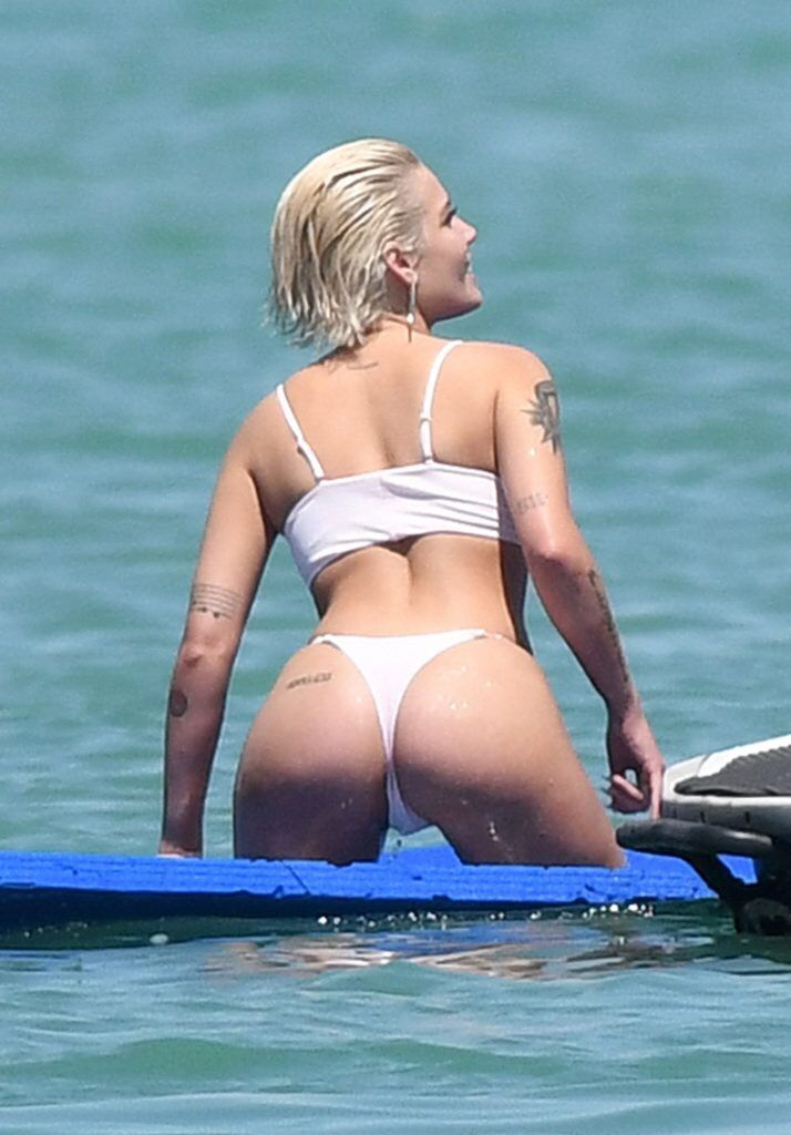 Sexy ass spread hot