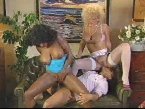 Vintage ebony ayes threesome