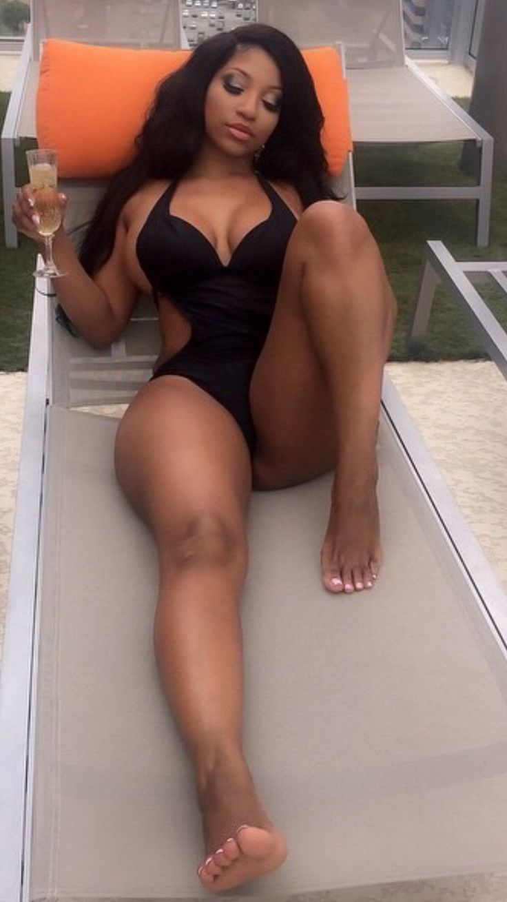 Thick black nude women