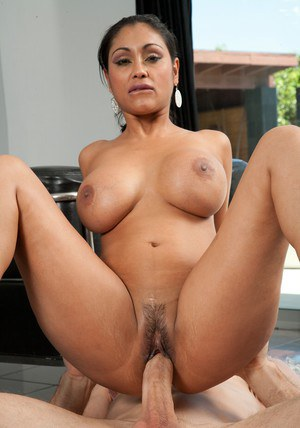 Indian girl nude pussy photo