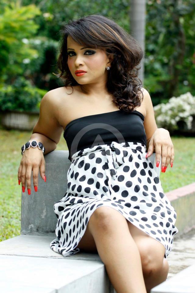 Sri lankan beautiful girls sexy parts