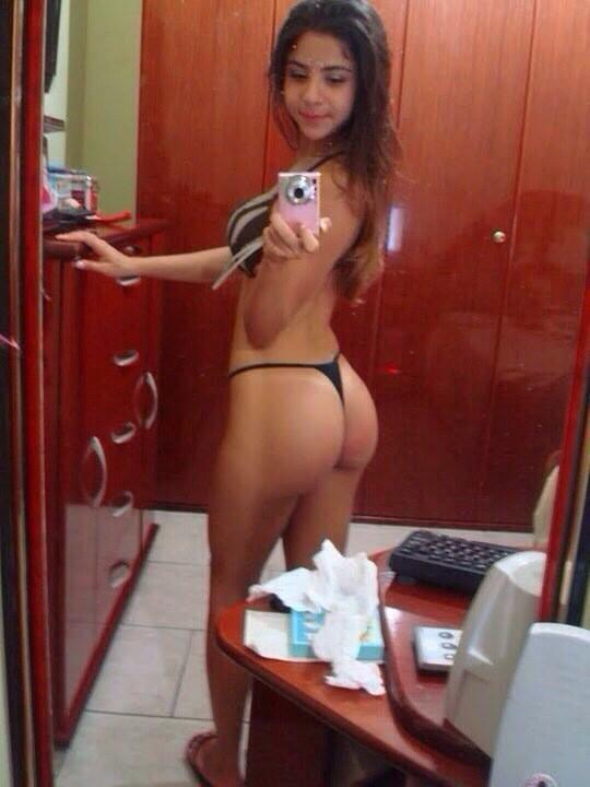 Amateur nude latina ass