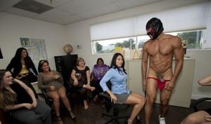Nude women from el salvador