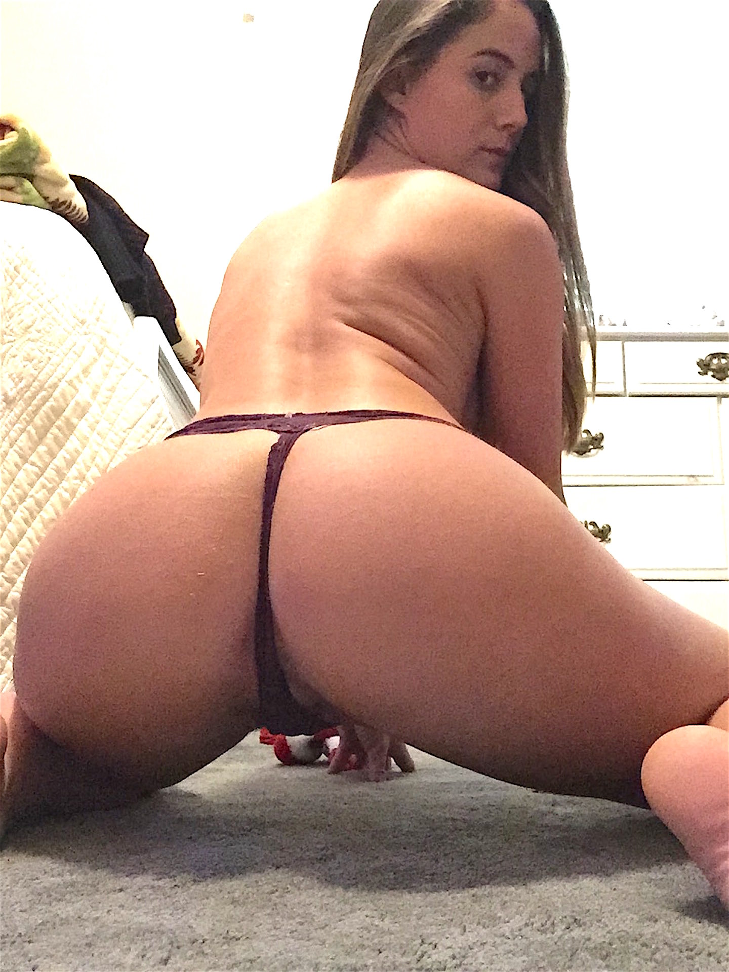 Sexy sluts in thongs