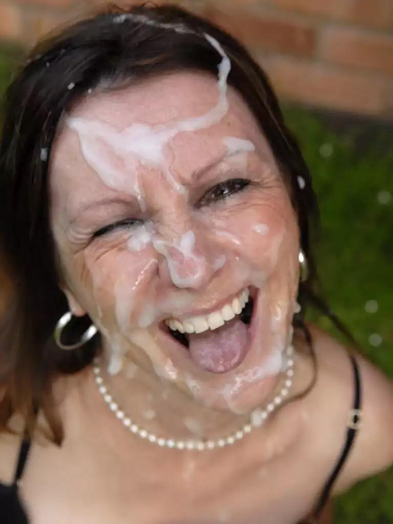 Amateur milf facial bukkake