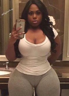 Shows ladies pussy curves black