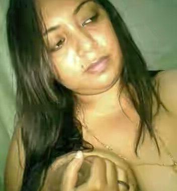 Big boobs sexy auntys pics