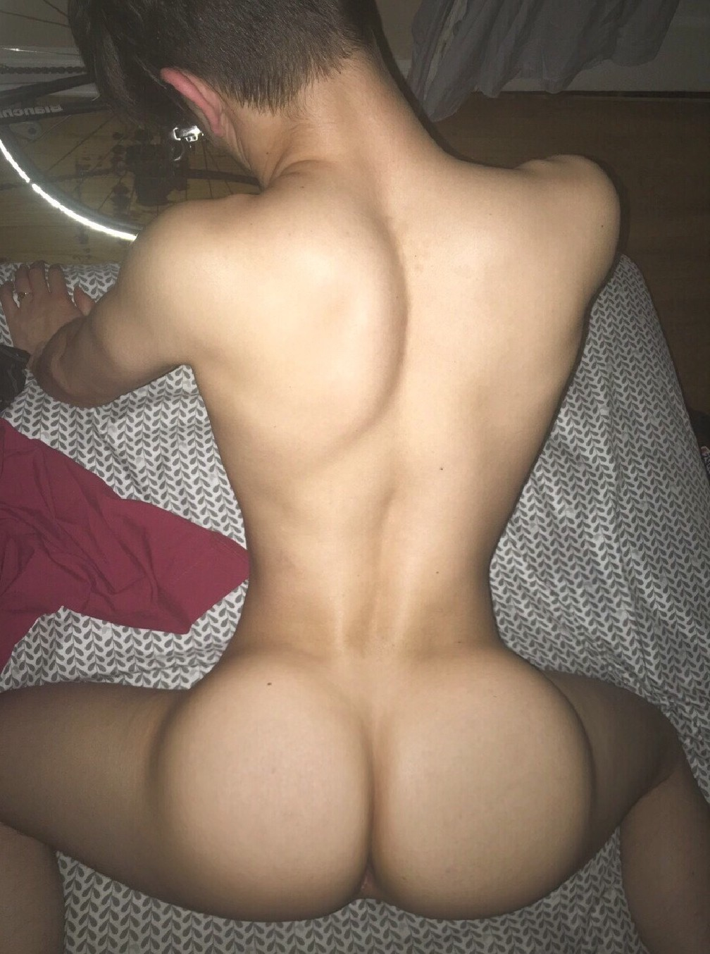 Boy ass on bed nude