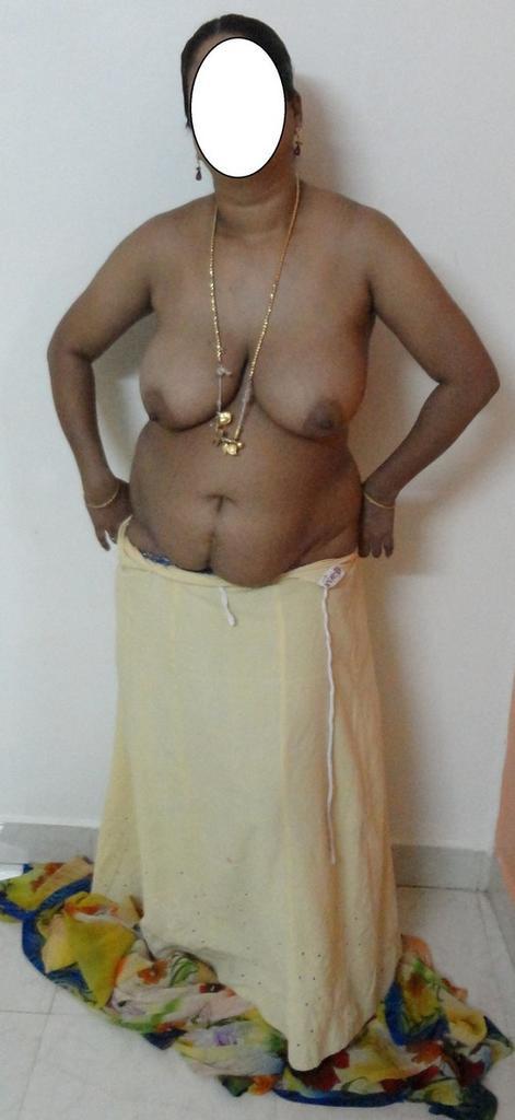 Desi mature aunties nude pics. com