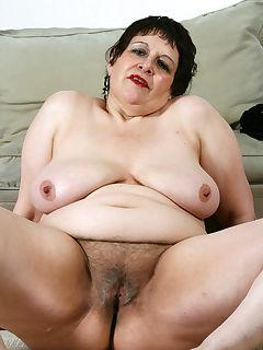 Fat nude women photo