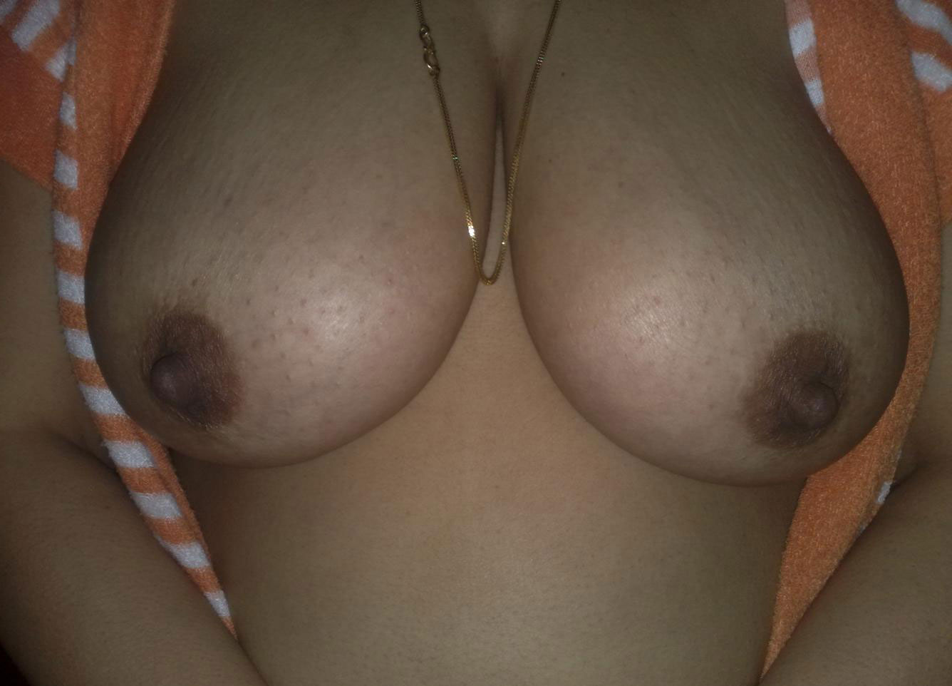 Naked boobs without face