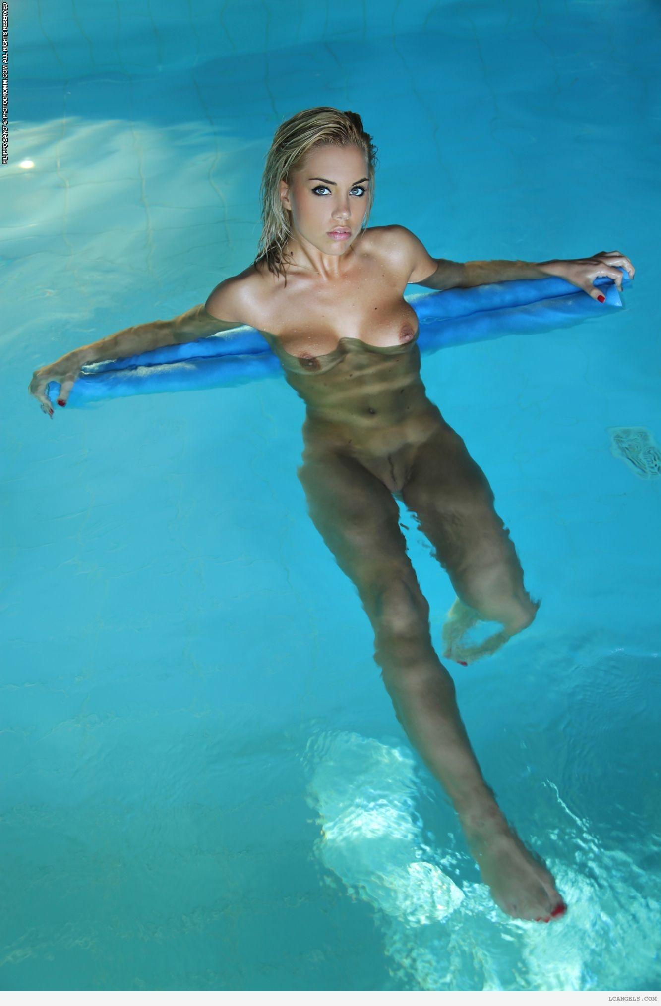 Nude girl swimming pool sex