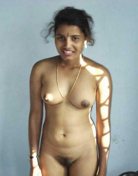 Sexy hot desi aunty naked photo