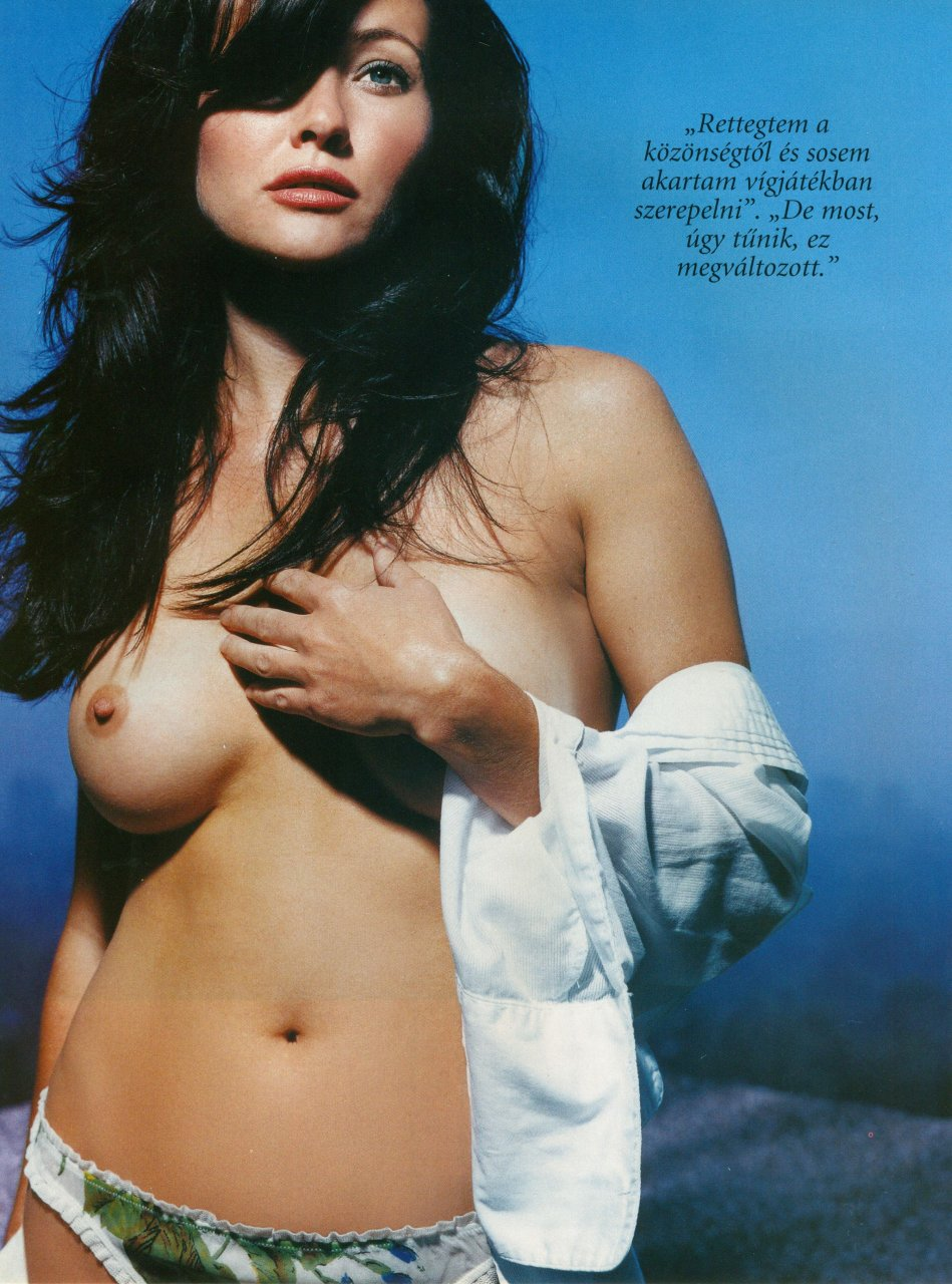 Shannen doherty nipple slip