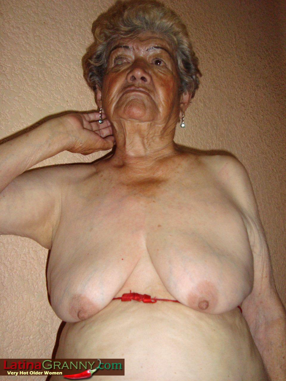 Mature latina granny nude