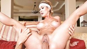Grosses fesses nues femmes latino