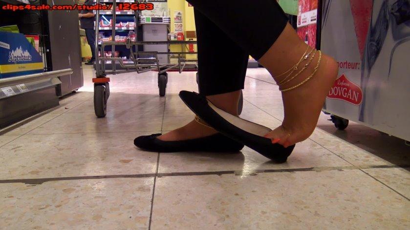 Shoe dangling cum shots