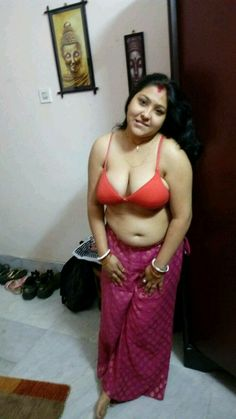 Bangladeshi butyfull wife sexy figar and hip pick
