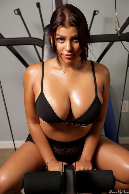 Biggest tits ever porn pics