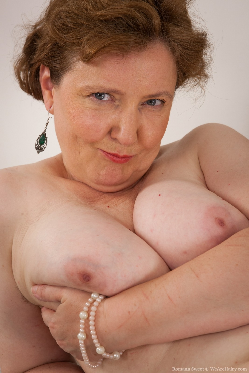 Romana in mature and hairy