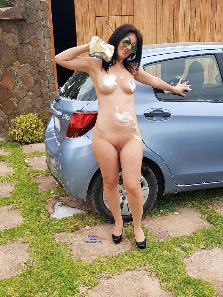 Nude girls in car crash