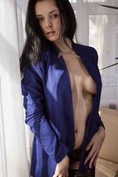 Ukrainian nudes met art