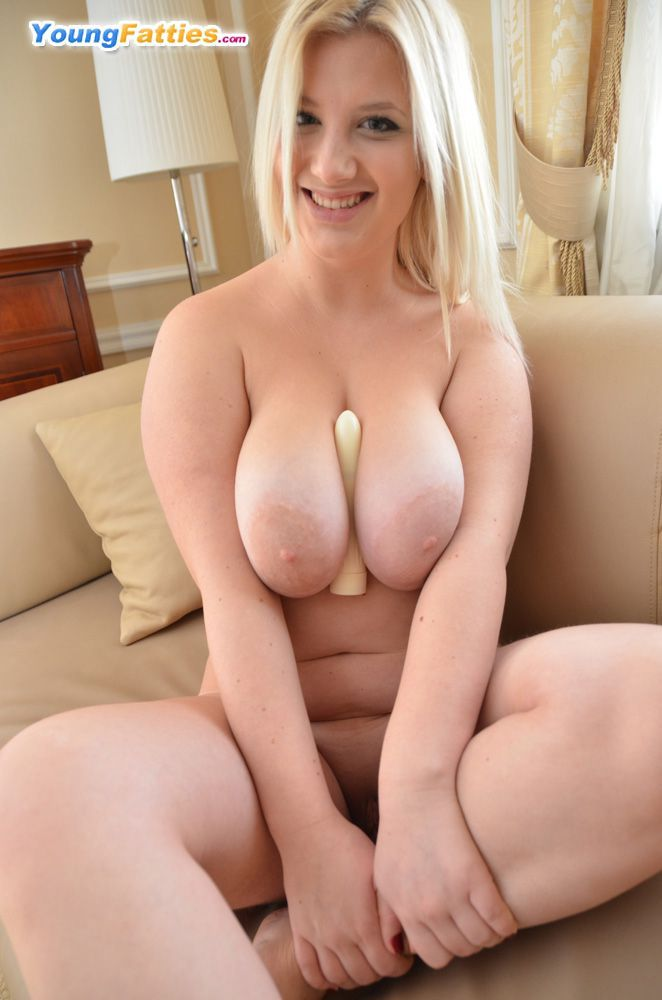 Chubby blonde with big tit
