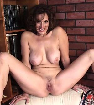 Sex milf tit pics spread