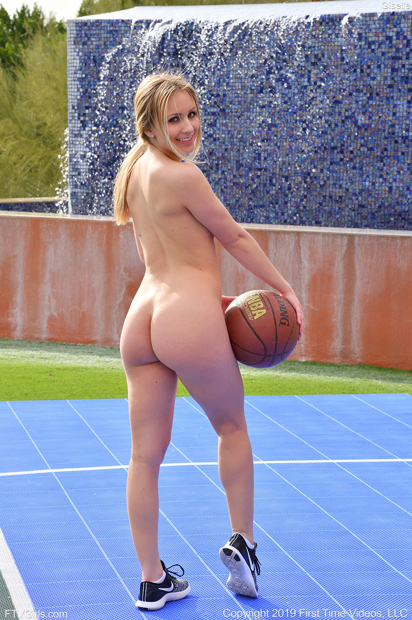 Player basketball nude woman