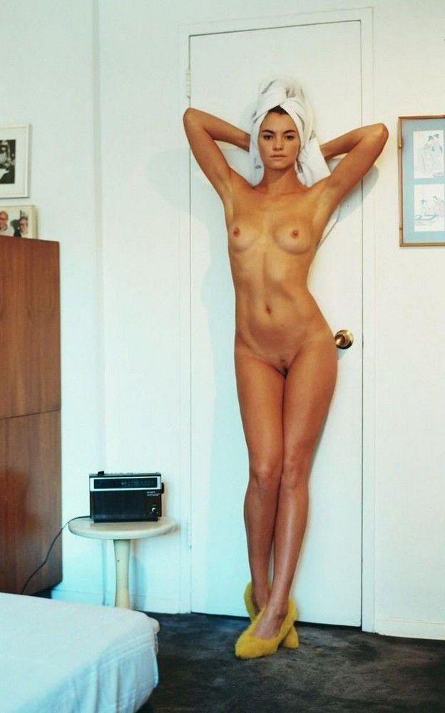 Teen nude full frontal