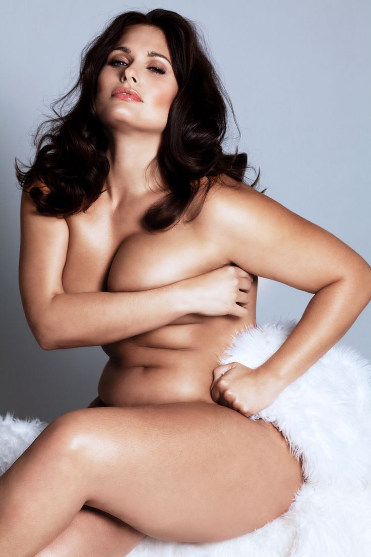 Nude plus sized models