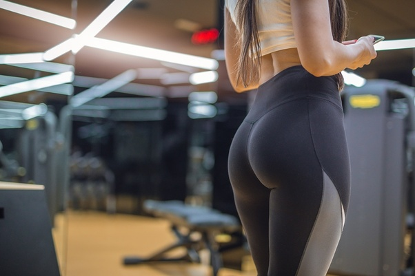 Perfect round ass yoga pants bubble butt