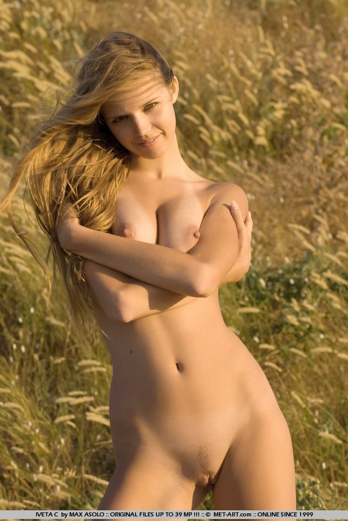Pretty tall blondes nude pics