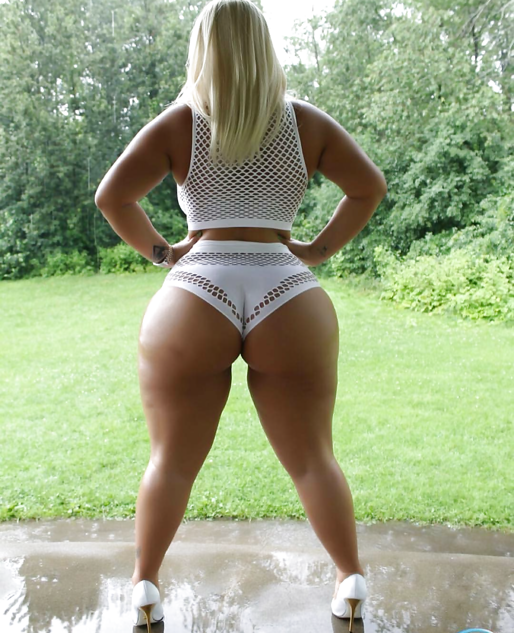Phat curvy wide hips on tumblr