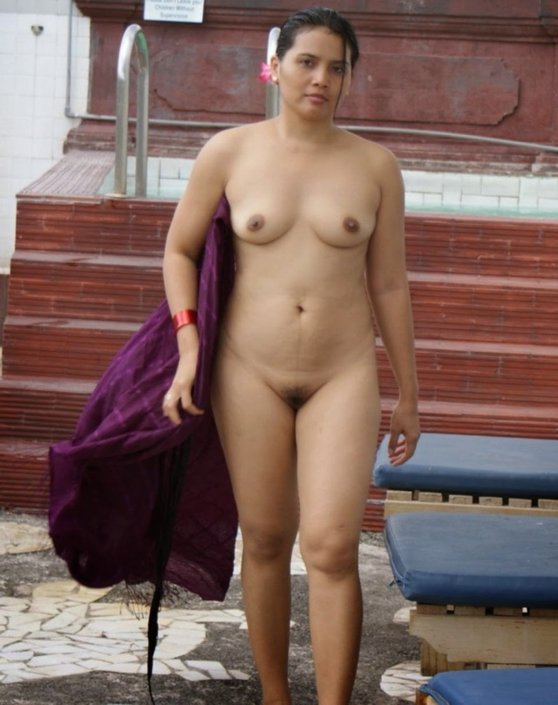 Standing indian girls nude