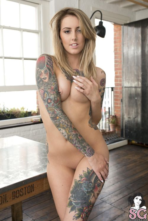 Sexy tattooed girls nude