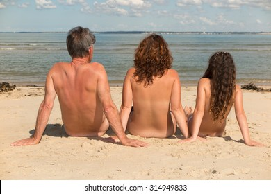 Family nudist picture post