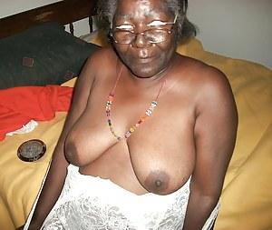 Blacks on mature mommies