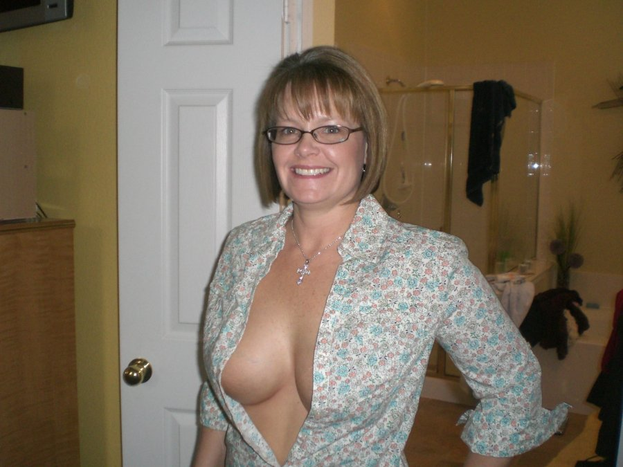 Ugly saggy tits moms