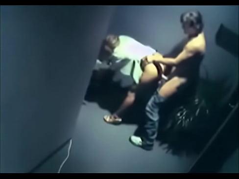 Cam caught having security sex