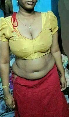 Plump aunty nude in petticoat blouse