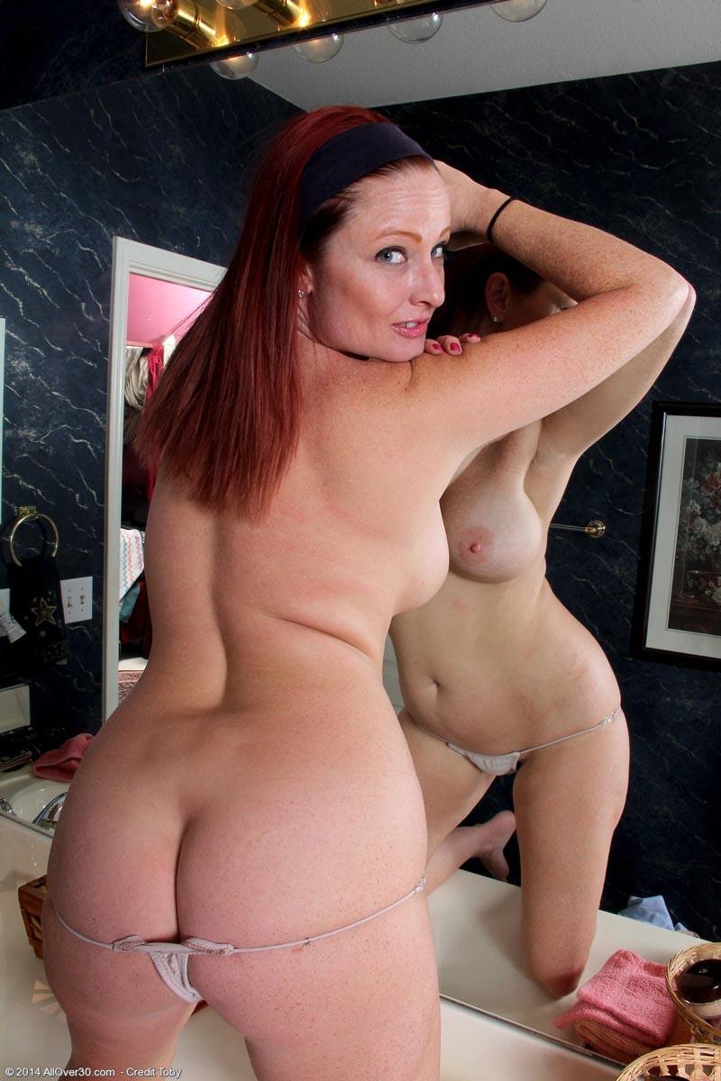 Nude busty ass milf