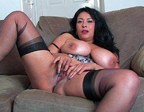 Mature latina pussy and tits