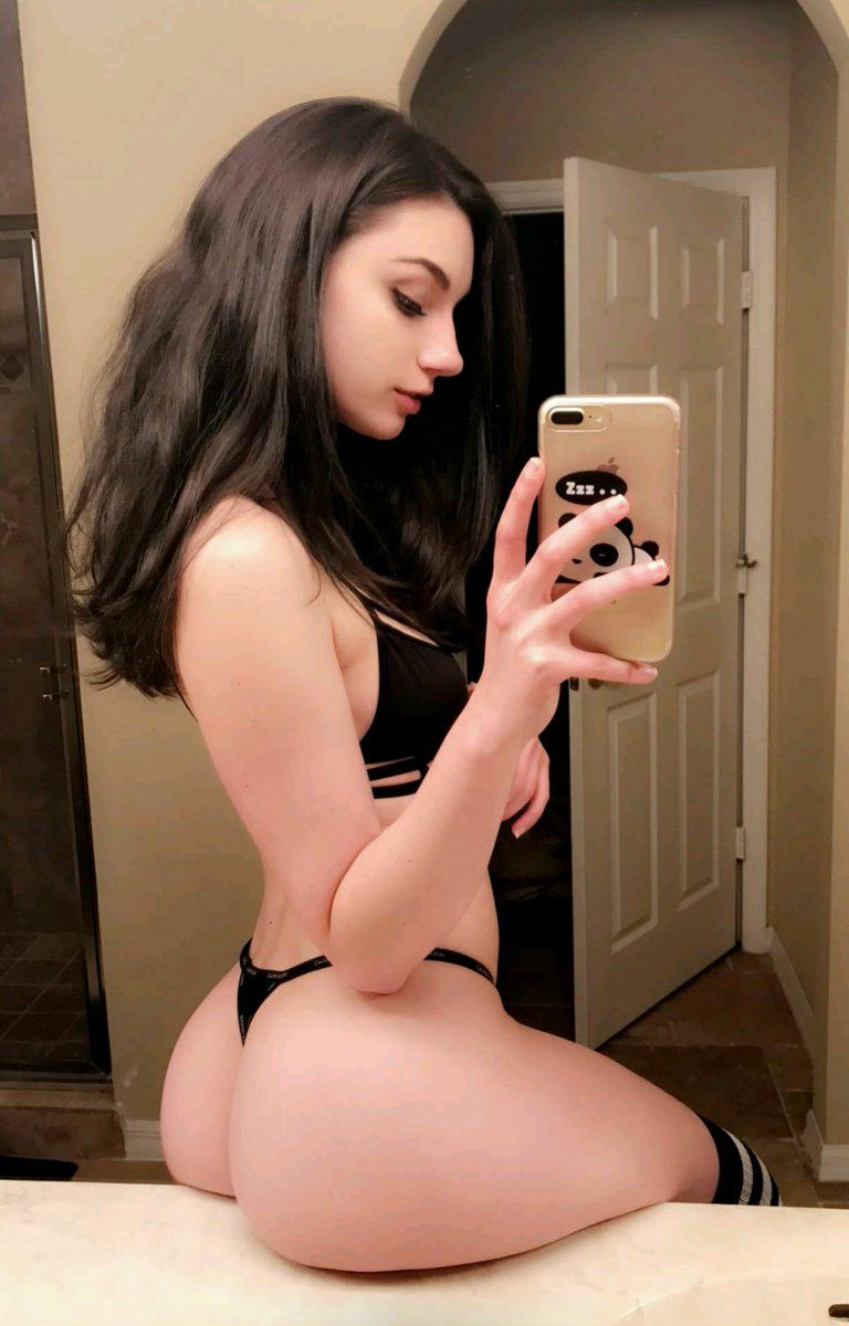 Pretty faces nude selfies