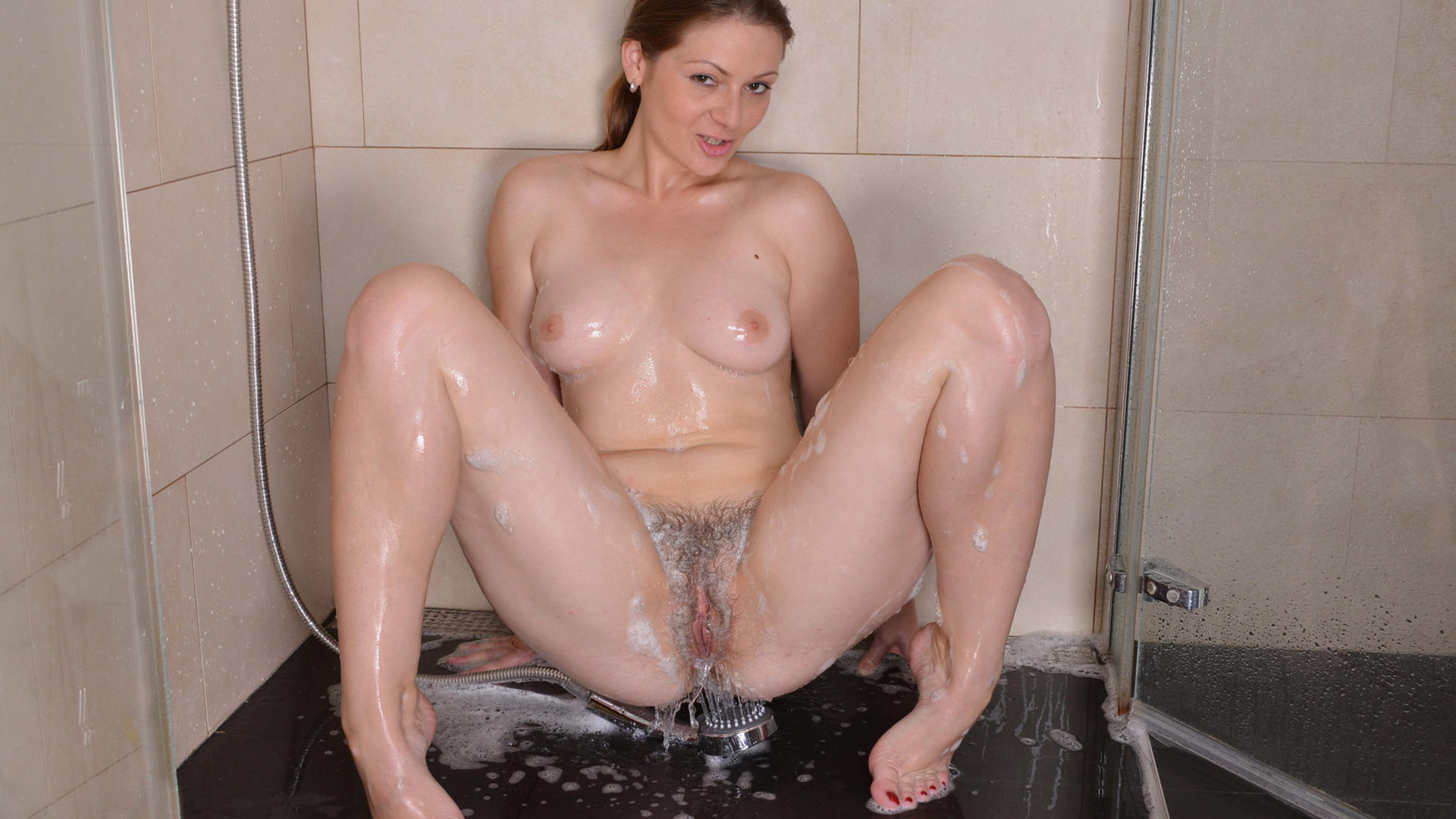 Nude shower amateur girls