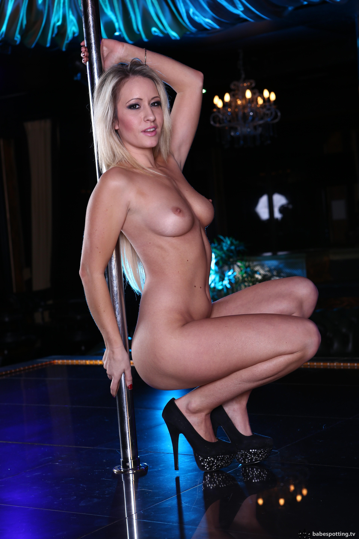 Sexy porn strip dances