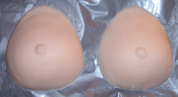 Medium size boobs pic