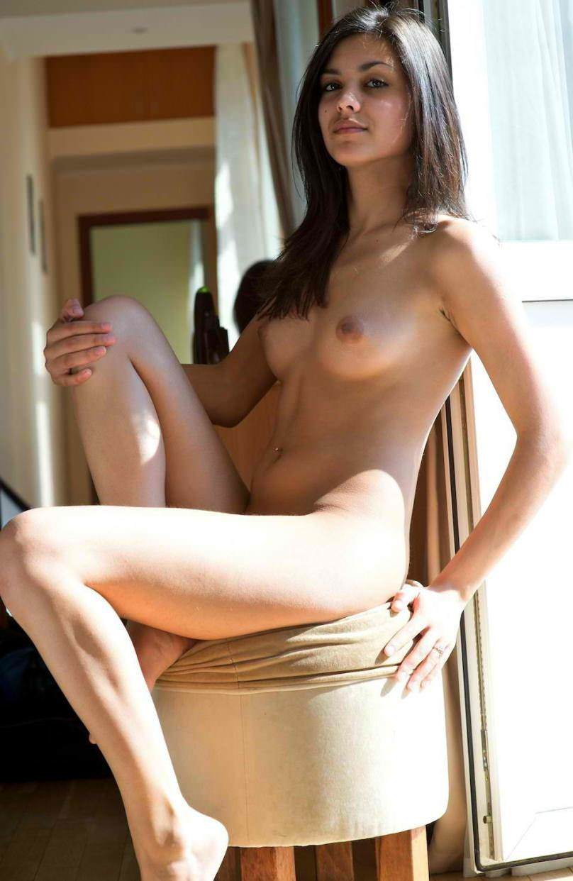 Hot nude beautiful girls